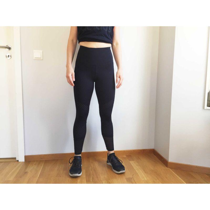 träningsbyxor som håller in magen